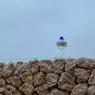本日は朝から雨模様だったので、職人:末吉 清一が製作したガラスのてるてる坊主を撮影してた所、2時間後には見事に晴れました☀️👏☀️